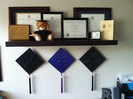 Hanging Pictures On Wall by 25 Best Diploma Display Ideas On Pinterest Photo Gallery Walls
