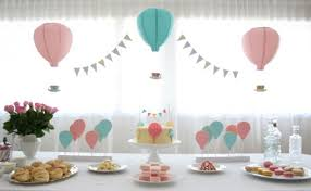 hot air balloon centerpiece hot air balloon inspired decorations that will take you to cloud