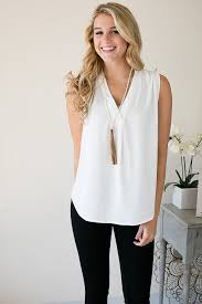 White Blouse With Black Bow Best 20 White Blouse Ideas On Pinterest Leather Pants