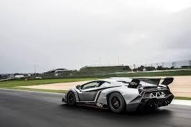 Lamborghini Veneno Drifting - photoshoot sesto elemento vs veneno sssupersports com