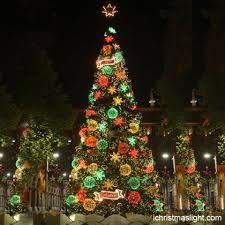 Pre Decorated Artificial Christmas Trees Sale by 9 Best Commercial Christmas Trees Images On Pinterest Commercial