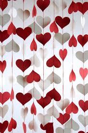 valentines decorations cortina de corazones para decorar una de y amistad