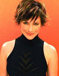 razor cut hairstyles for women over 40 back again in the fashion world the razor cut hairstyles