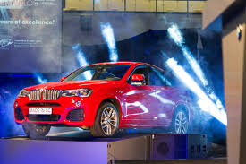 bmw factory robots bmw confirms x7 and a major expansion of the bmw spartanburg sc plant