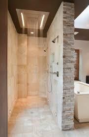 badezimmer gestalten badezimmer gestalten mit fliesen aus naturstein und moderner