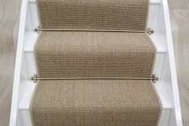 stair runners as the way to give welcoming touch to the stairway