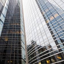 tour de bureau façade en verre d une tour de bureau image stock image du tour