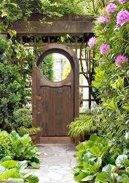 three ways to turn a garden gate into a garden focal point twin 15
