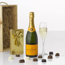 15 best christmas champagne u0026 sparkling gifts images on pinterest