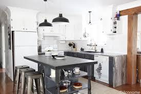peindre une cuisine en bois moderniser une vieille cuisine en bois avec de la peinture déconome
