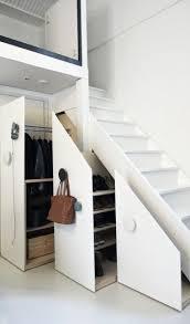 amenagement salle de sport a domicile aménagement placard sous escalier 24 idées astucieuses