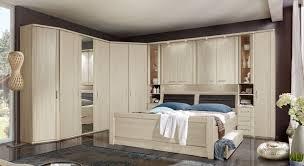 Schlafzimmer Komplett Mit Eckkleiderschrank überbau Schlafzimmer In Edel Esche Dekor Für Senioren Palena