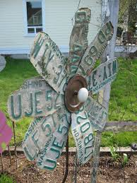 23 awesome diys made from old upcycled car parts license plates