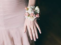 where to buy corsages for prom how to handle the corsage conversation before prom