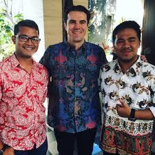 desain baju batik untuk acara resmi 40 foto model kemeja baju batik pria lengan pendek terbaru
