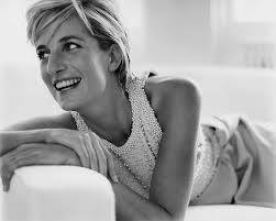 best images about Princess Diana taken by Mario Testino on     Killer curves  The blonde beauty showed off her impressive cleavage and  killer curves as she