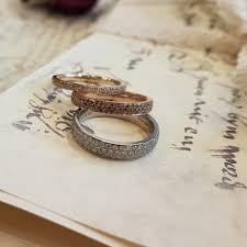 verlobungsringe individuell verlobunsringe eheringe in weissgold rosegold und rotgold mit