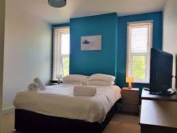 cleaner wanted for weekends 11am 4pm serviced apartments bed