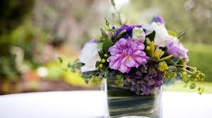 wedding flowers on a budget how to budget for wedding centerpieces wedding flowers