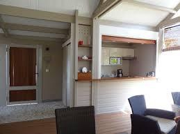 l entrée et la cuisine photo de bungalow ipoméa ipomea