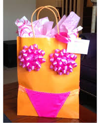 bachelorette gift bags shout out sunday cause it s sunday today sunday clever diy