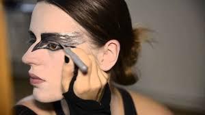 black swan halloween makeup diy black swan make up tutorial for beginners express youtube