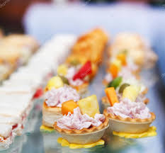 comida para cóctel en fiesta de boda u2014 foto de stock dp3010