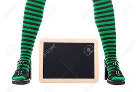 imagenes medias verdes piernas con medias verdes y negros de una niña bruja o duende
