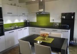 cuisine gris et vert cuisine gris vert anis avec beautiful table de cuisine grise plan