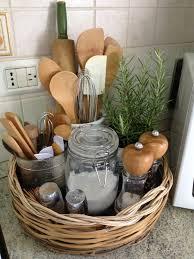 panier de cuisine 31 idées géniales pour organiser votre cuisine chasseurs d