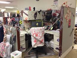 halloween cubicle decoration idea from the walking dead