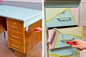 customiser un bureau en bois redonner vie à un bureau avec des couleurs pastels comment faire
