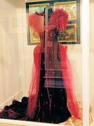 original bengaline honeymoon dress used in movie picture of gone