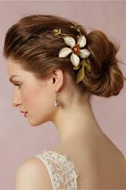 wedding hair accessories 12 gorgeous wedding hair accessories stylecaster