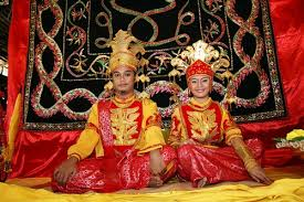 world s 10 most traditions that will make your jaw drop