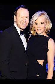 does jenny mccarthy have hair extensions with her bob 1158 best jenny mccarthy images on pinterest donnie wahlberg