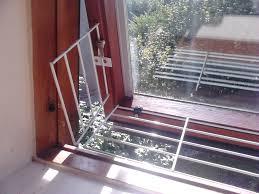 comment fabriquer un arbre a chat les clôtures spécifiques pour les jardins des foyers félins
