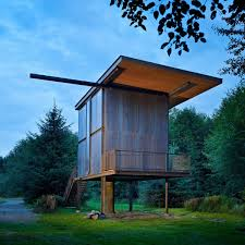 Small Beach House On Stilts 7 Clever Ideas For A Secure Remote Cabin