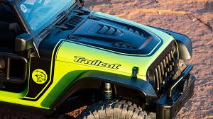 hellcat engine jeep behind the wheel of the jeep trailcat wrangler concept the drive