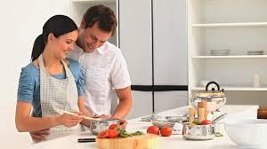 cuisine famille famille cuisiner cuisine hd stock 713 685 583