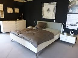 Schlafzimmer Dunkle M El Wandfarbe Funvit Com Küche Magnolia Hochglanz Welche Wandfarbe