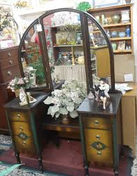 Antique Vanity With Mirror Phoebes Hidden Treasures Antiques And Collectibles Blog Antique