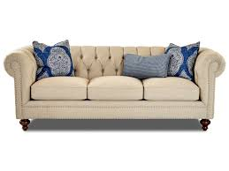 Klaussner Home Furnishing Klaussner Charlotte Traditional Chesterfield Sofa With Tack Nails