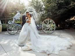 wedding pictures this s enchanting fairy tale wedding at disneyland will