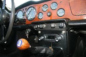 Tr6 Interior Installation Retro Sound Model Two In Dash Radio Kit 1961 76 Tr4 Tr6 Triumph