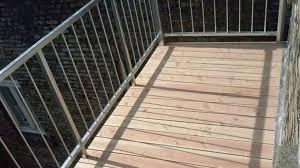 holzbelag balkon balkonbodenbelag camaro balkone