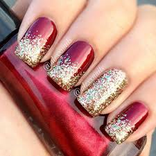 29 easy winter and christmas nail ideas gold glitter gold and