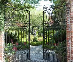 homes gardens tour charleston u0027s private homes gardens things to do in