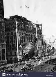 nyc thanksgiving day parade macy u0027s thanksgiving day parade new york november 23 1945 stock