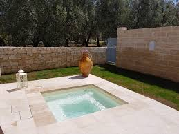 deluxe rooms with jacuzzi and private garden masseria